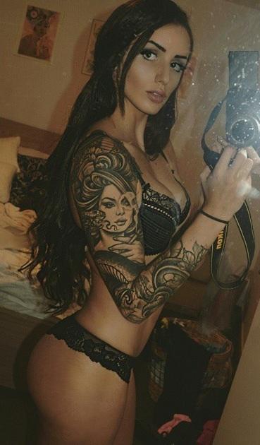 Sierra topless waitress